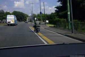 piste ciclabili milano giungla per i ciclisti incidenti viale jenner mobilità ciclabile sostenibile