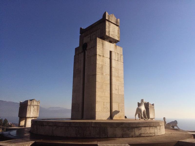 il mausoleo del vittoriale degli italiani a gardone riviera