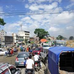 sette giorni in nepal traffico nella valle di kathmandu spostarsi in macchina in nepal