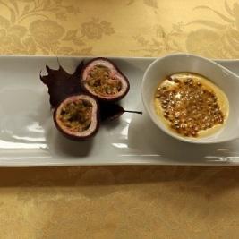 crema in tazza al frutto della passione cucina creativa menù terrazza manzotti chef mauro civiero