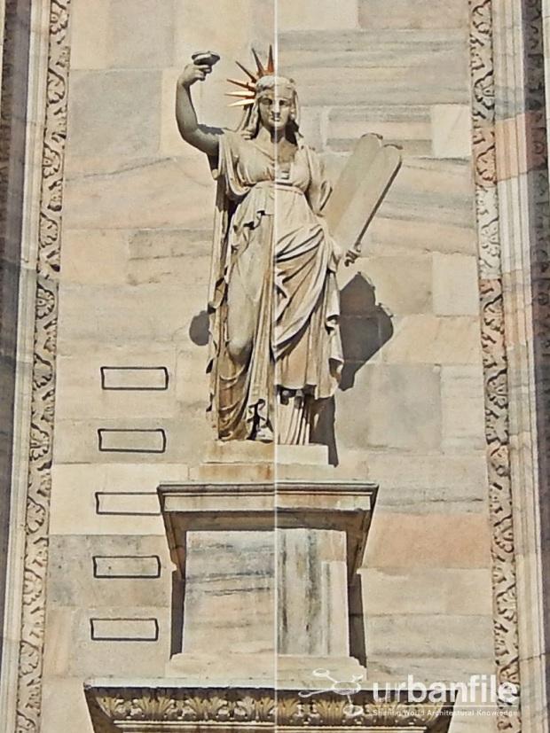 Statua Duomo Milano statua della libertà statue of liberty is milan statue copy