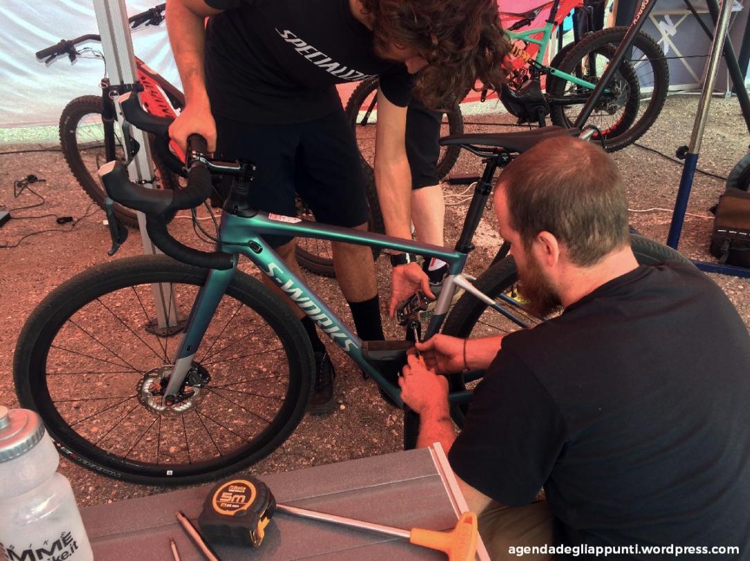 specialized con la diverge s-works ha reinventato la gravel dandogli un'anima tutta sua il mio special gravel bike al bike shop test di milano malpensa