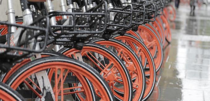 milano ciclabile bike sharing mobike a fondo nel naviglio grande i soliti ignoti le gettano nel fiume