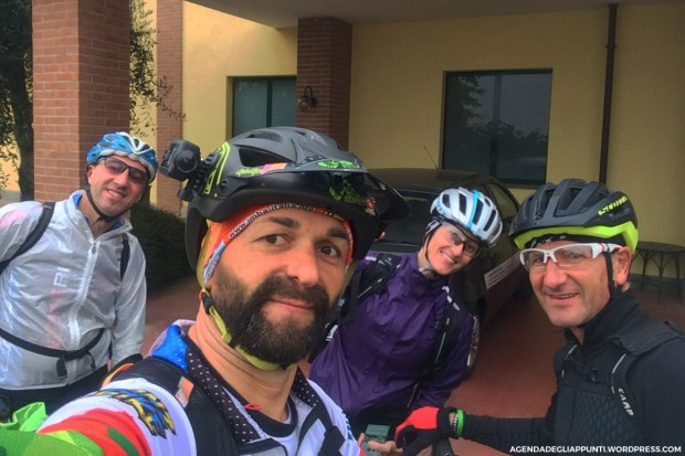pronti per partire alla scoperta della val pellice in mountain bike