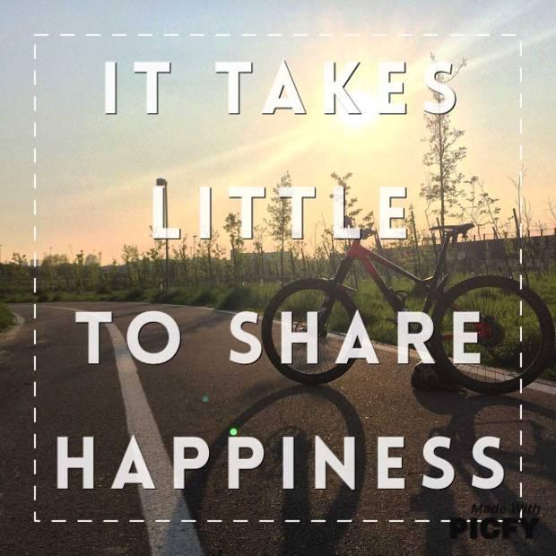 condividere la felicità in sella a una bicicletta esplorando le piste ciclabili a milano