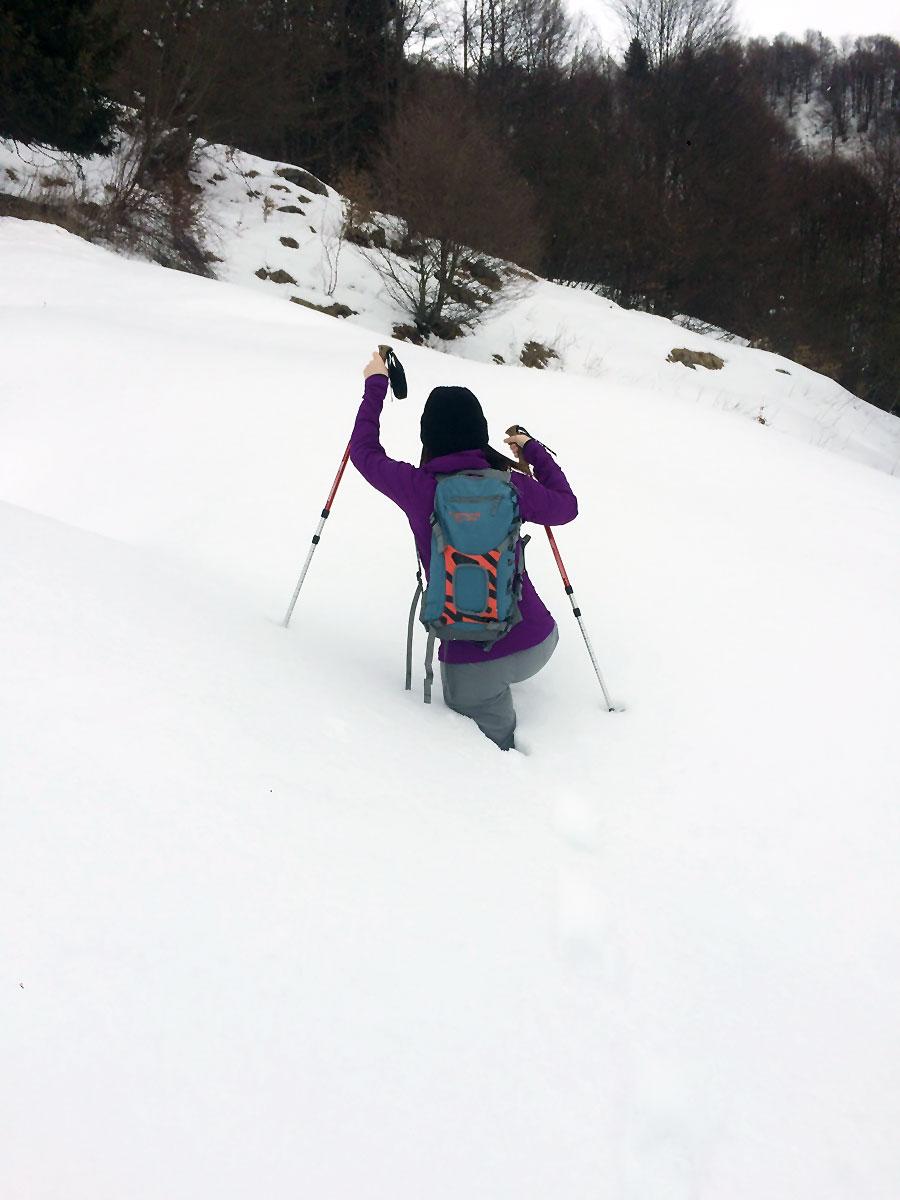 neve in abbondanza ai piani di artavaggio durante un trekking dal culmine di san pietro