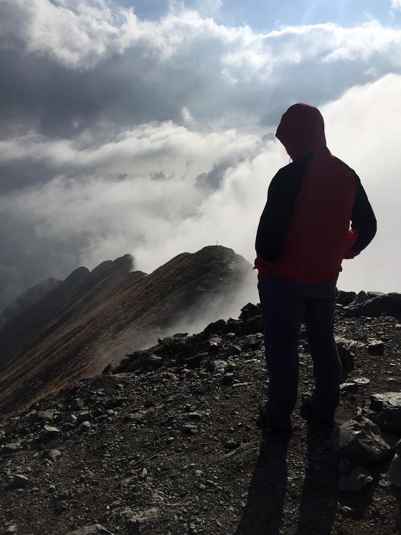 tra le nuvole le valli a sud del monte legnone