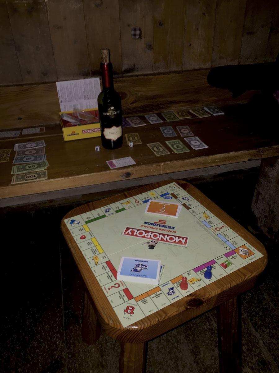 monopoly e chianti al rifugio benigni