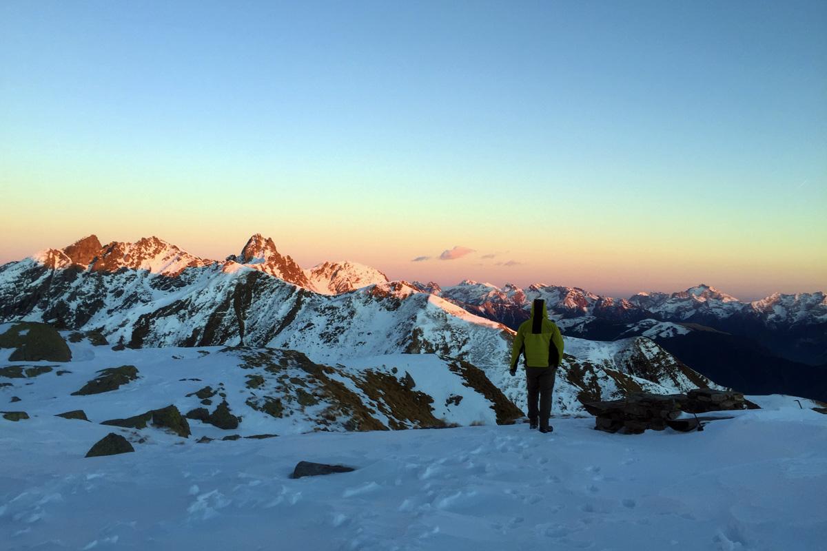 panorama con la neve dal rifugio benigni