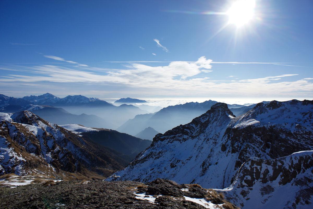 panorama sulla valle brembana dal rifugio benigni
