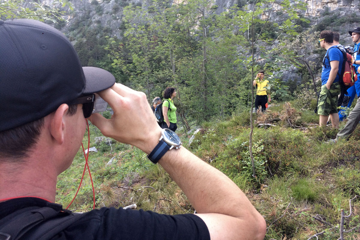 clinometro suunto per tracciare sentieri per mountain bike trail building