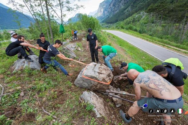 trail building school garda trentino imparare a realizzare sentieri sostenibili con imba italia