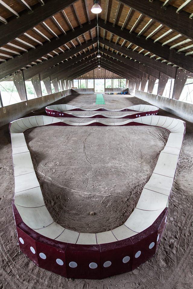 la pumptrack del ciocco bike circle, un percorso per allenamento e divertimento in mountain bike e bmx per adulti e bambini