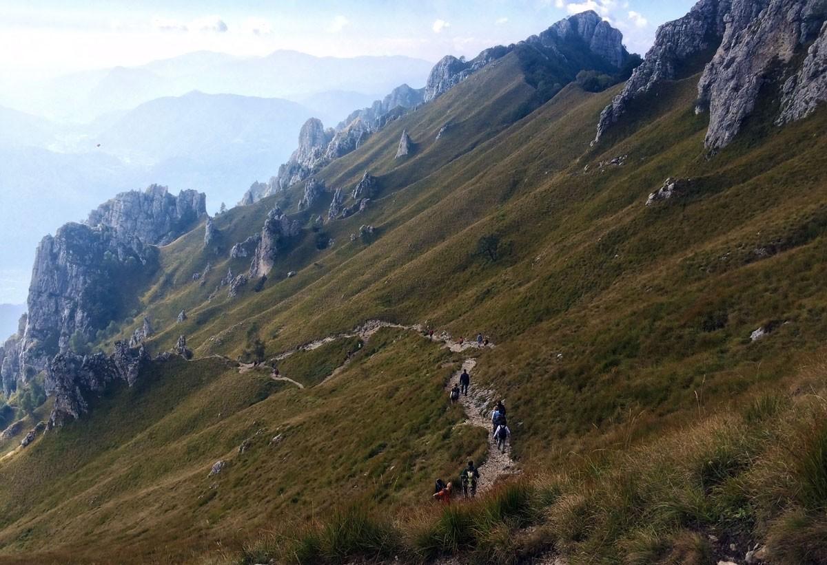 il sentiero delle foppe sulla grigna meridionale è la via più semplice per raggiungere il rifugio rosalba