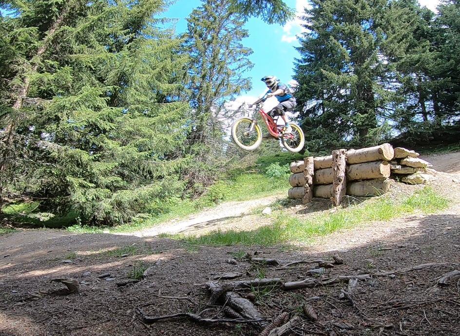 bike park morzine rider jump