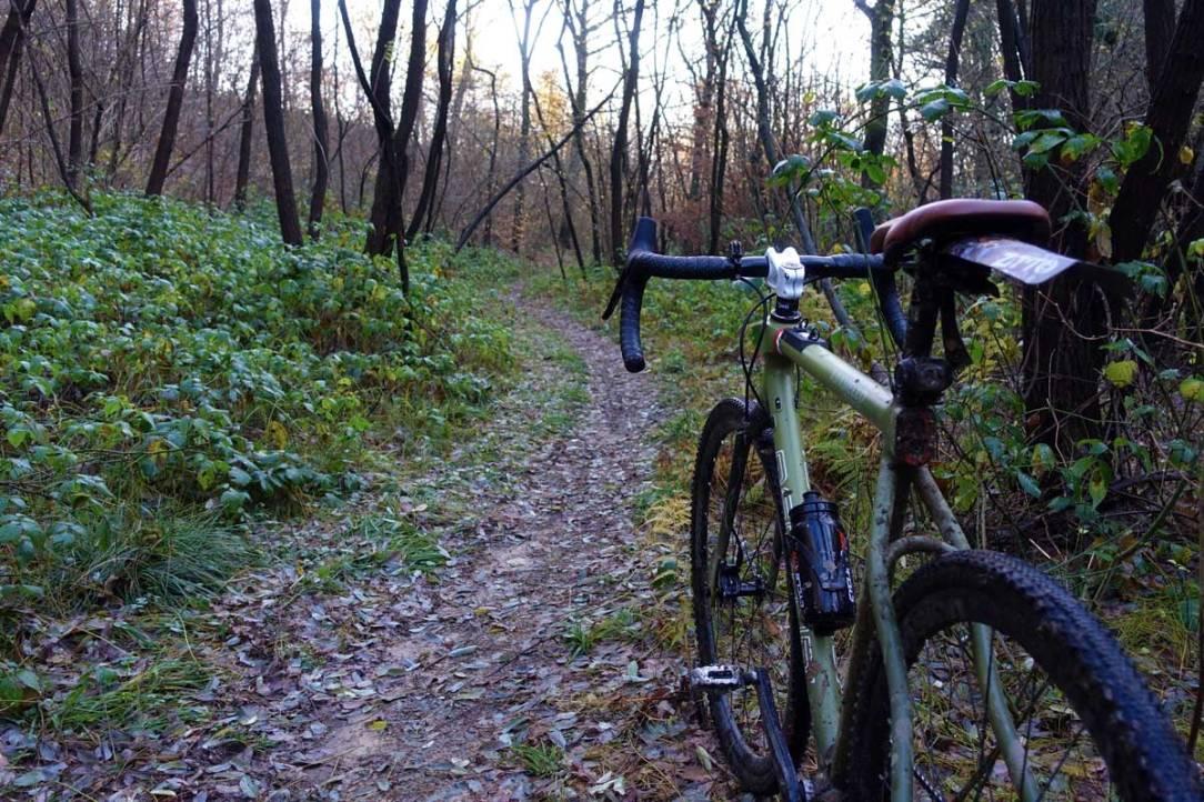 la bicicletta gravel menturi bike adamello track sui sentieri della valle olona