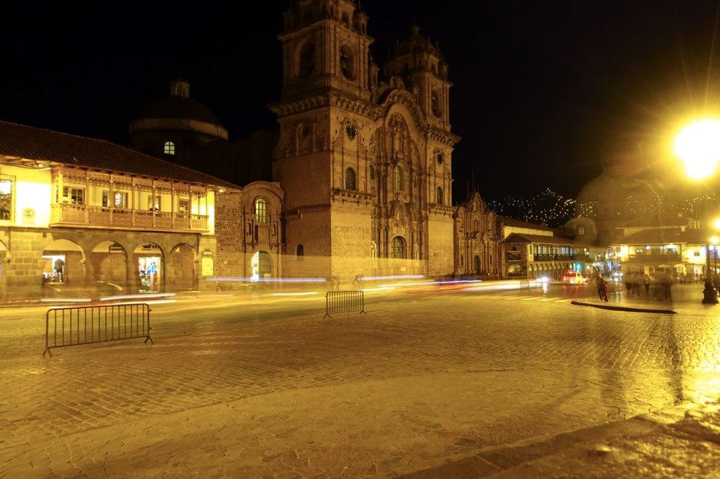 la plaza de armas di cusco itinerario viaggio quindici giorni in perù