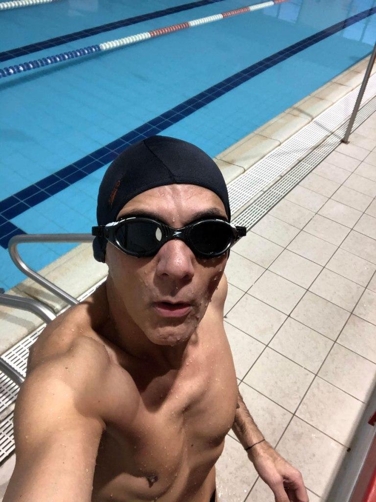 nuoto attività sportiva come riabilitazione dopo intervento legamento crociato anteriore