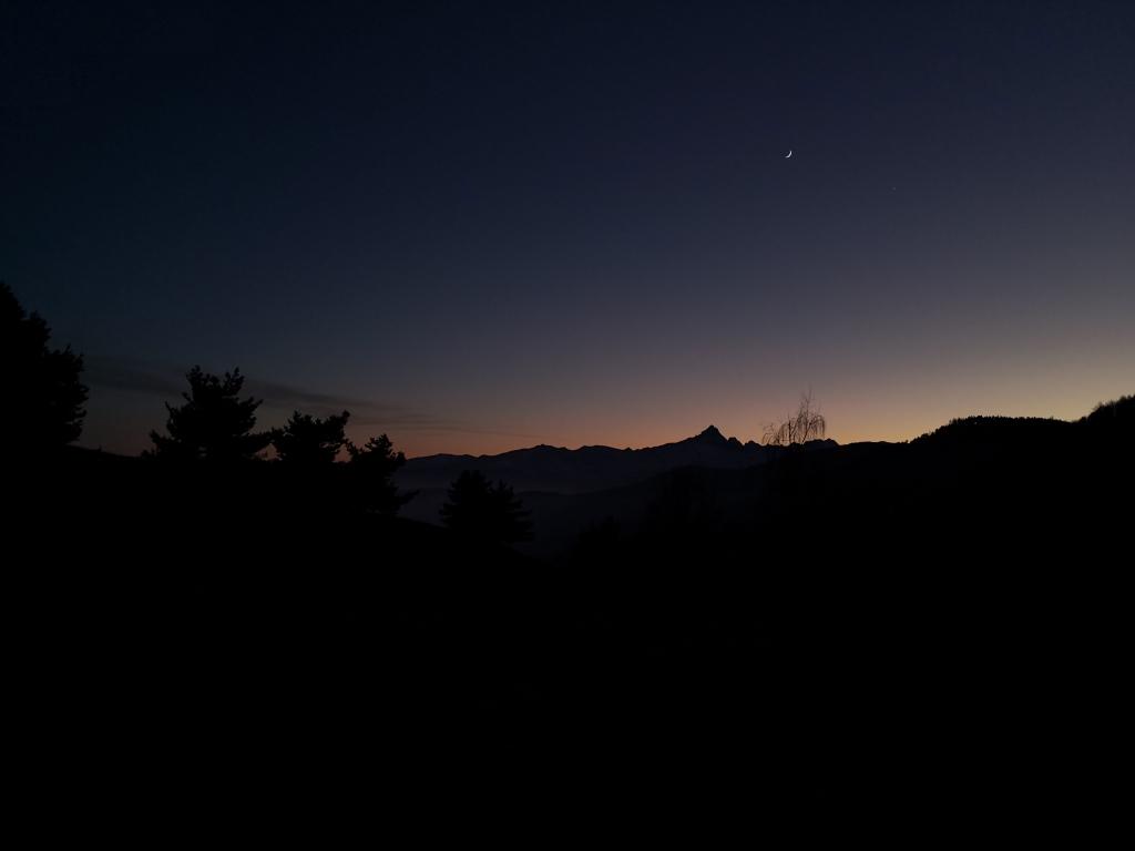 Rifiugo Melano, Piemonte. Cielo notturno lungo il sentiero per Casa Canada