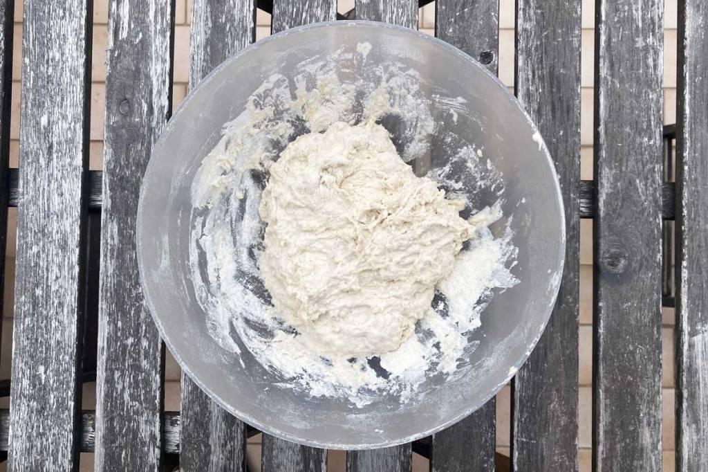 impasto pane fatto in casa prima della prima lievitazione
