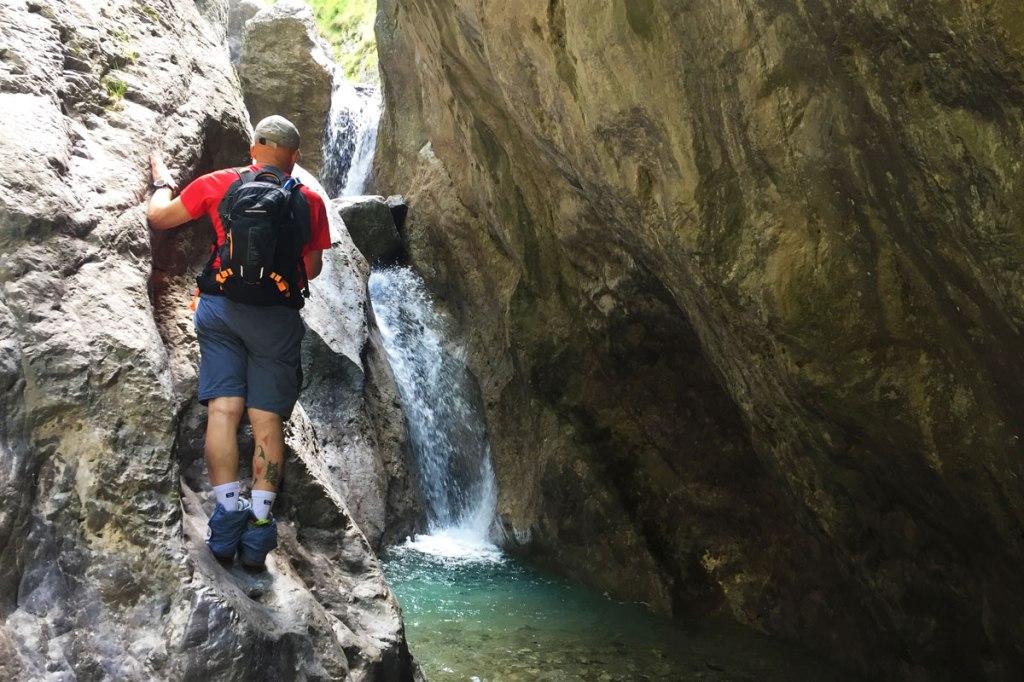 le cascate del torrente Meria lungo la strada che conduce al rifugio Elisa