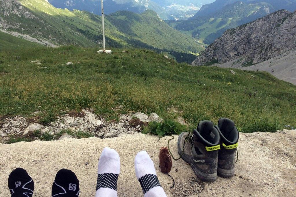 panorama dal bivacco città di clusone, piedi e scarponi da montagna
