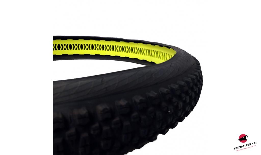 il render fotografico mostra l'inserto per ruote mtb si posiziona all'interno del pneumatico per mtb