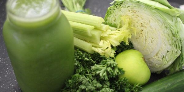 Dieta e succo SIRT. Gli ingredienti per fare il centrifugato.