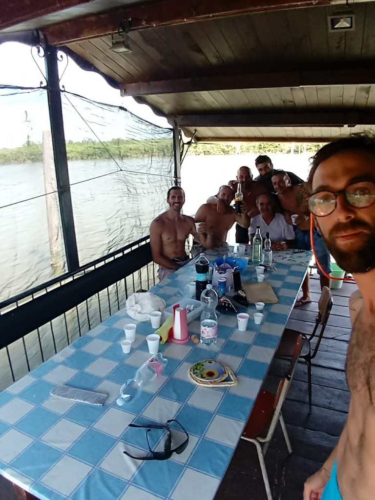Pranzo con amici al ponte delle barche Porto Tolle