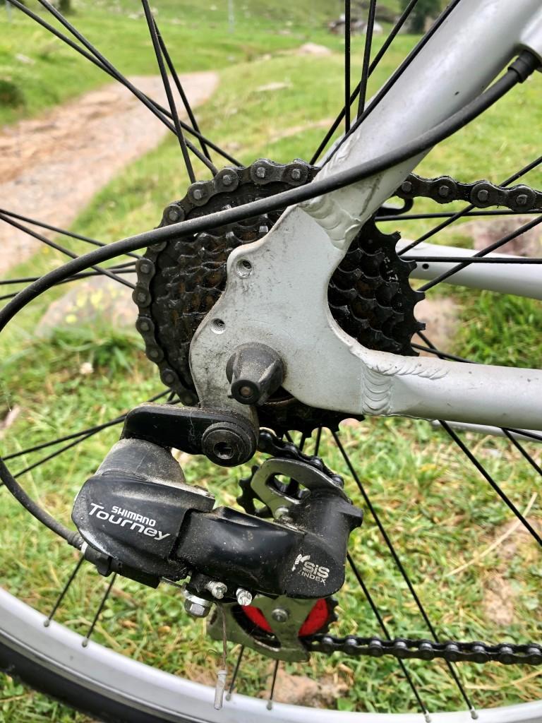 primo piano sul pacco pignoni di una bicicletta