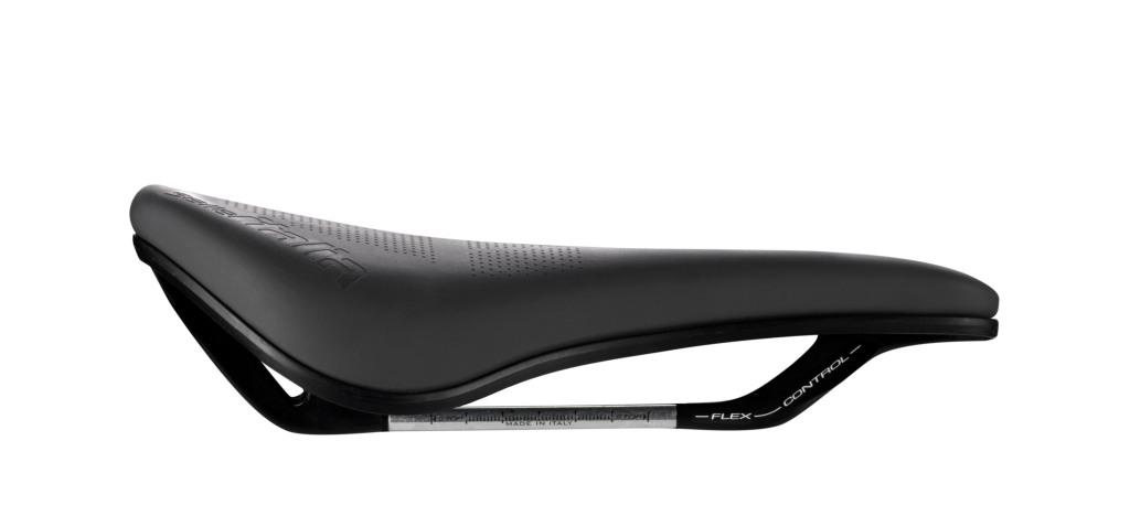 sella per bicicletta nera fotografata sul fianco